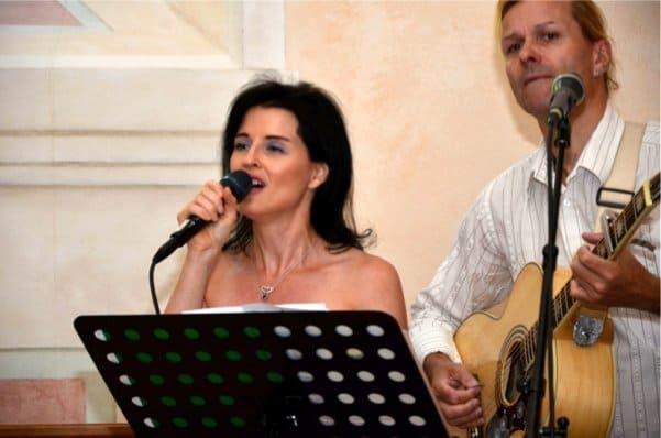 hochzeit-musik-zur-hochzeit-mit-dem-duo-just-married-danja-bauer_1